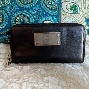 DKNY Zipper Wallet